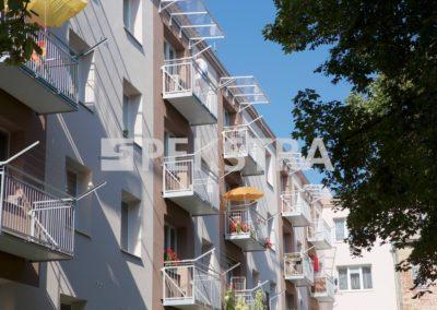 balkon závěsný ocelové příčky