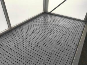 Krytie podlahy plastový rošt
