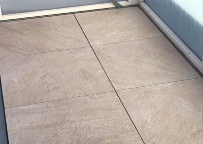 Krytie podlahy balkóna dlažbou