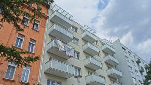 Balkóny prisadené priamo k fasáde