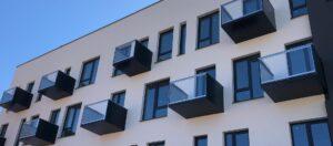závesné oceľové balkóny