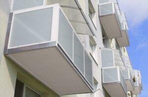 Balkón s hliníkovým opláštením