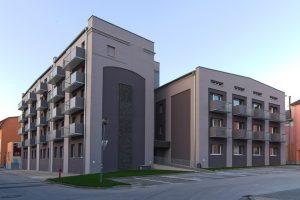Balkóny s kombinovanou výplňou