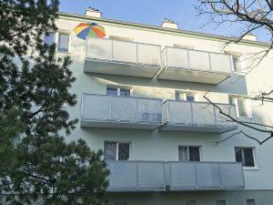 Balkóny so sklenenou výplňou